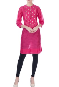 pink-check-pattern-kurta