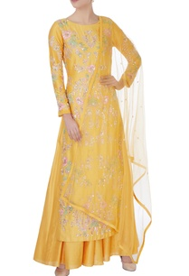 yellow-sequin-kurta-with-lehenga-dupatta