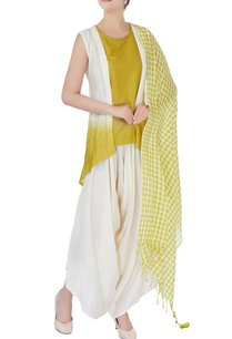 green-dhoti-set-with-checkered-dupatta