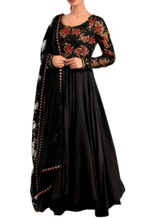 black-embellished-anarkali-dupatta