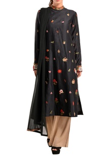 black-floral-kurta-set