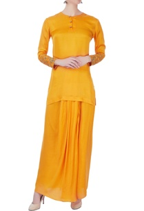 yellow-zardozi-kurta-dhoti-skirt
