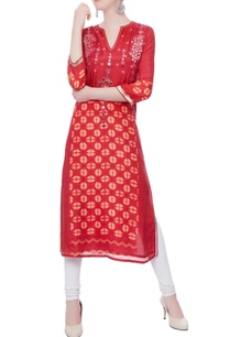 red-kurta-with-handcrafted-mirror-accents