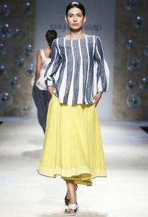 blue-white-stripe-blouse