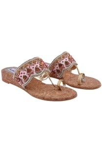 multicolored-embellished-kolhapuri-sandals