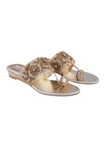 beige-kolhapuri-pearl-embellished-sandals