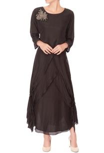 black-embroidered-layered-kurta