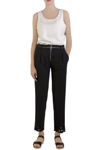 black-cropped-trousers-with-belt