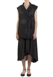 black-sleeveless-kimono-jacket