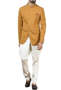 mustard-overlap-bandhgala-with-off-white-trousers