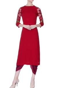 red-floral-embroidered-kurta