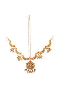gold-pearl-work-maangtikka