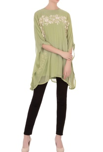 green-aari-embroidered-kaftan
