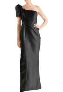 black-one-shoulder-silk-gown