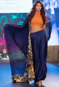 blue-georgette-sari-with-textured-neck-blouse