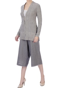 grey-organic-cotton-culottes-jacket