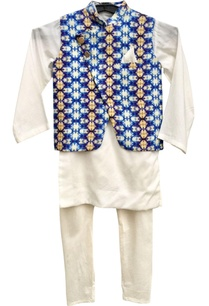 blue-printed-jacket-with-churidar-kurta