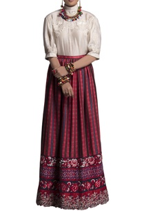 red-embroidered-maxi-skirt
