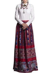 blue-red-embroidered-skirt