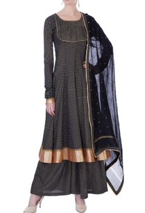 black-block-printed-kurta-with-palazzo-pants-dupatta
