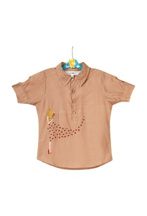 beige-shirt-with-camo-shorts