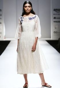 ivory-chanderi-kurta-with-embroidered-buttons-inner