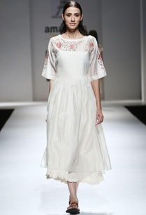 ivory-parsi-embroidered-midi-dress-inner