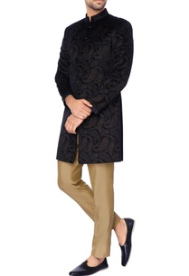 black-embossed-velvet-kurta