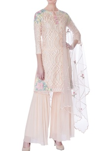 peach-floral-embroidered-kurta-set