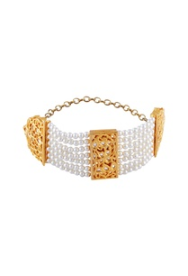 gold-micron-finish-bracelet-with-white-pearls