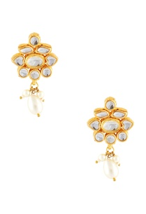 gold-kundan-earrings-with-faux-pearls