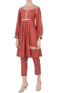 coral-embroidered-checkered-cigarette-pants