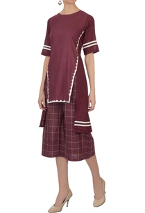 burgundy-linen-kantha-embroidered-culottes-pants