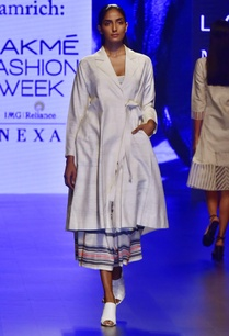 ivory-hand-woven-silk-khadi-jacket-with-trousers