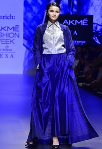 blue-hand-woven-coat-with-shirt-wide-leg-trousers