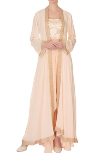 peach-corset-blouse-with-crepe-pants-kaftan-cape