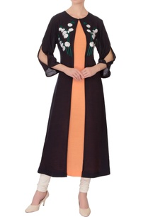 peach-linen-silk-kurta-with-black-embroidered-mastani-jacket