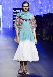 blue-mulmul-tassel-scarf