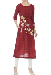 burgundy-kurta-with-floral-resham-embroidery