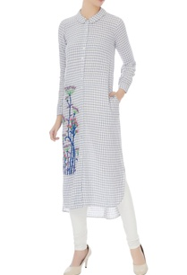 blue-white-floral-resham-embroidered-kurta
