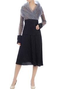 black-ribbed-pleated-midi-skirt