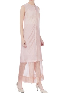 peach-zari-silk-sleeveless-kurta