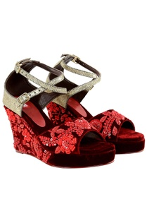 maroon-velvet-zardozi-embroidered-peep-toe-wedges