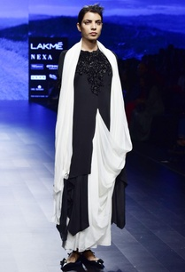 black-off-white-crepe-chiffon-silk-hand-embroidery-stitched-sari