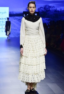 off-white-crepe-embroidered-tunic-with-lace-layered-skirt