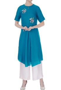 blue-floral-boota-hand-embroidered-kurta