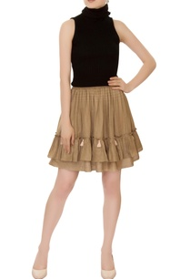 olive-tiered-style-mini-skirt