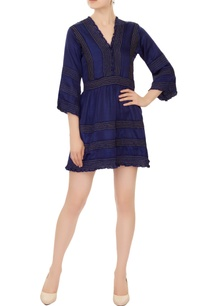 blue-v-neck-dress-with-ruched-effect-pleated-detailing