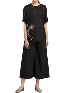 black-poplin-horse-motif-screen-printed-blouse