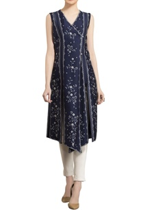 ivory-navy-blue-chanderi-floral-digital-printed-asymmetric-tunic-with-straight-pants